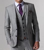 corbata traje gris plateado al por mayor-2018 Nueva Alta Calidad Gris Claro Ventilación Lateral Novios Esmoquin Groomsmen El mejor hombre Hombre Trajes de boda Novio (Chaqueta + Pantalones + Chaleco + Corbata)