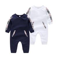 baby-kragen körper groihandel-2018 New Model Baby Strampler Mode weiß und dunkelblau Runde Kragen Baumwolle Baby verbunden Körper Kleidung im Leerlauf gut aussehende Babykleidung
