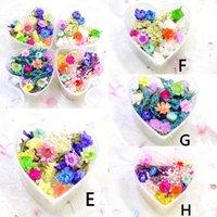 diy herzförmige kiste großhandel-4 Boxen gemischt getrocknete Blumen Nail Art DIY erhalten Blume mit herzförmigen Box Glasflasche Dekor