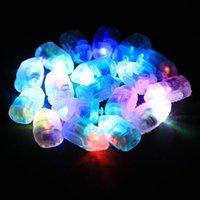ingrosso lanterne di carta blu-50pcs bianco ha condotto le luci della lampada ha condotto le luci del flash delle lampade di Rgb Balloon per la lanterna di carta bianco, rosso, blu, verde per la decorazione della festa nuziale