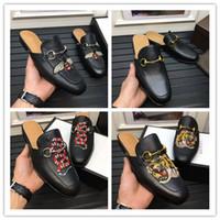 ingrosso piede di cuoio-HOt vendita 2017 New Leather Horsebeit Mocassini Scuff Sandali scarpe casual per il tuo piede e confortevole