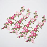 ingrosso bellissimi abiti ricamati-10pcs / lot Bello collare floreale del fiore della Rosa che cuce sul vestito sveglio del busto del distintivo di Applique distintivo ricamato