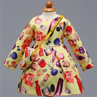 gelbe babyflaschen großhandel-Gelbe Parfümflasche gedruckt Baby Mädchen Kleider Frühling Herbst Langarm Bogen Prinzessin Kleid lässig Kostüm mit Tasche MQ-024