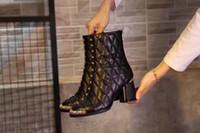 botas tobillo rosa al por mayor-Moda nuevas mujeres de tobillo Rose remache bordado invierno Martin Knight de tacón alto 75MM botas de cremallera negro botas de piel de oveja calzado tamaño 35-41