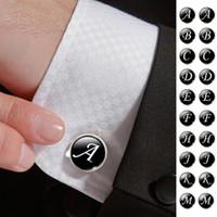 zubehör für herrenanzüge großhandel-1 Paar Business Weiß auf Schwarz Buchstaben Männer Anzüge Hemd Manschettenknöpfe Versilbert Glas Cabochon Hochzeit Manschette Zubehör