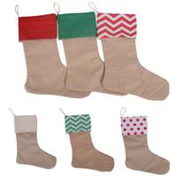 ingrosso calze di natale-Calza regalo di Natale della tela di canapa Sacchetti XMas Stock Christmas Sock sacchetti regalo Wrap Bag decorazione dell'albero di natale Calze autoreggenti Chevron HH7-133