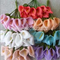 blumenstrauß boutonniere großhandel-1,5 cm Künstliche Schaum Blume Günstige Mini Calla Lily Bouquet Diy Handwerk Für Hochzeit Dekoration Boutonniere Haar Garland Box
