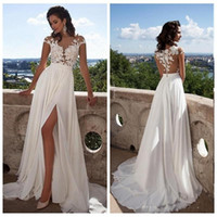 beach wedding dresses großhandel-2018 Günstige Sexy Beach Brautkleider Bohemian Strand Sheer Neck High Side Split Chiffon Spitze Applique Brautkleid Brautkleider BOHO