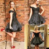 robe de cocktail jupe à volants achat en gros de-Tier Ruffles Jupe Little Black Short Homecoming Dress 2019 Hors épaule Perles Cocktail Robes de bal Vente en ligne