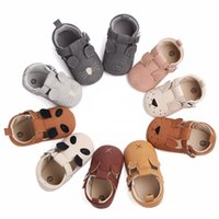 Wholesale shoes baby boy animal online - Baby Animal Newborn Shoes Girls Boys Embroidery Piggy Puppy Kitten Mouse Panda Buckle Strap Nubuck Leather Infant First Walkers M
