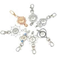 insignias de botones al por mayor-Moda Rhinestones 18 mm Snap llaveros flor insignia Lanyard llavero accesorios Fit botones a presión de las mujeres DIY joyería hebilla clave regalos