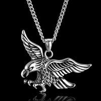 colgante de águila negra al por mayor-Vintage Punk Animal Eagle Colgantes Collares Collar de Acero Inoxidable Colgante Animal Negro / Color Plata Para Hombre Joyería de Cadena