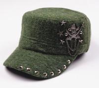 chapeaux chapeaux rebord de baseball achat en gros de-Hip Hop Crâne Plat Chapeaux Punk Rivet Hommes Armée Chapeau Cool Femme Casual Casquette de Baseball Marque Fitted Hats