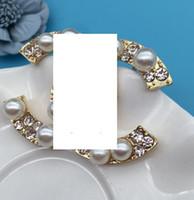 rhinestone briefe broschen großhandel-Neue Art und Weisedamenlegierungsperlenrhinestone-Brosche beschriftet die Entwerfer-Mädchengeschenke, die Brautzubehör heiraten2
