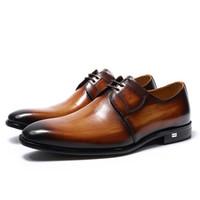 zapatos derby hechos a mano al por mayor-De lujo hechos a mano de cuero genuino para hombre Brown Derby Shoes Office Company Party Formal Male Lace-Up Dress Calzado de boda