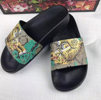 Wholesale rubber feet adhesive - new flower women men's designer slippers clip feet flip style Tiger lines style Shoes luxury brand sandals unisex slippers