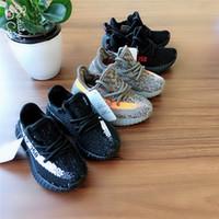 niños pequeños zapatos de moda al por mayor-Diseñador de moda Zapatos para niños Zapatos para bebés y niños pequeños Zapatillas Kanye West Zapatillas deportivas para niños Zapatillas de diseño para niñas y niños