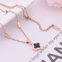ingrosso pendenti di design-collana di gioielli di design di lusso per le donne collana di ciondolo trifoglio in acciaio titanio moda calda senza spese di spedizione