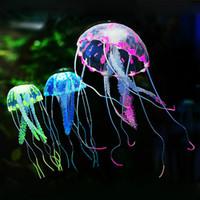 tanque de medusas artificial al por mayor-Venta al por mayor suave colorido del silicio fluorescente flotante que brilla intensamente efecto de las medusas acuario decoración acuario Artificial Jelly fish ornamento
