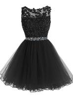 siyah kısa kabarık elbiseler toptan satış-Tatlı 16 Kısa Gelinlik Modelleri Dantel Aplikler ile Kristal Boncuk Kabarık Tül Kokteyl Parti Elbise Küçük Siyah Mezuniyet Mezuniyet Törenlerinde