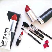 caja de pintalabios grande al por mayor-Nueva marca de maquillaje Look In A Box Basic Brush 4 unids / set de cepillos con Big Lipstick Shape Holder Maquillaje HERRAMIENTAS buen artículo