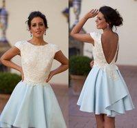 vestido de contraste azul cielo al por mayor-Contraste bastante blanco y la luz azul cielo hasta la rodilla vestidos de regreso a casa Sexy espalda abierta una línea de vestidos de cóctel vestido de fiesta árabe
