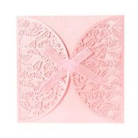 ingrosso carte banchetti-Wholesale-40PCS Carta di invito di nozze di carta iridescente romantico modello di farfalla intagliato scava fuori carte di mestieri banchetto di nozze del partito