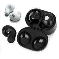bluetooth mikrofon ipad großhandel-Mini TWS Wireless Kopfhörer Bluetooth Kopfhörer Cordless Sweatproof Headset Ohrhörer mit Mikrofon Lade Fall für iPhone iPad Samsung