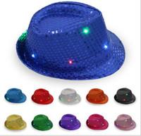 5ffbdde0a92 Chapeau Jazz Hip-Hop LED Lumineux Chapeau Lumineux 11 Couleurs Clignotant  Lumière Up Led Fedora Trilby Sequin Unisexe Fantaisie Robe Dance Party Hat