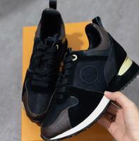 homens planos calçados venda por atacado-Run away designer tênis mulher real sapatos de couro homens sapatilhas mulheres apartamentos designer de luxo sapatos casuais caixa original