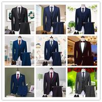 nouveaux smokings d'image achat en gros de-2018 Nouvelle image réelle Tuxedos Groom Peak Lapel Groomsmen Hommes Tuxedos De Mariage Dîner Tenue De Soirée Costumes Robe De Soirée Costumes GROOM (Veste + Pantalon + Gilet)