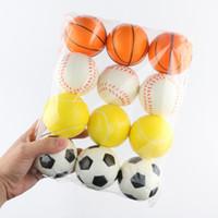 exprimiendo bolas gratis al por mayor-Nuevo 6.3 cm Estrés Pelota Apretón Pelota de espuma blanda Pelotas de baloncesto Fútbol Tenis Mano Muñeca Ejercicio Artículos novedad Envío gratis