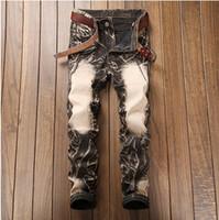 jeans de hombre 28 32 al por mayor-Los pantalones vaqueros de los hombres 2018 de primavera de los hombres rectos de la moda de negocios de tendencia casual jeans rayados más el tamaño 28-38 precio de la actividad