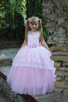 vestido de princesa bowknot sash venda por atacado-Lovely Little Girl Pageant Vestido Rosa Princesa Até O Chão Lace Tulle Vestido De Baile Com Sash Bowknot Jóia de Volta Buraco Da Fechadura Flor Meninas Vestidos