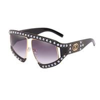 daaa5f52eaa Perle cadre surdimensionné Italie pilote lunettes de soleil femmes tendance  2018 Rivet gradient marque de luxe designer creux perle vintage lunettes de  ...