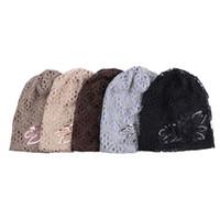 eşarp katmanları toptan satış-Sonbahar Kış 5 Renkler Hollow kadın Şapka Dantel Çiçek Bere Eşarp Cap Çift Katmanlı Şapkalar Kadınlar Için Yeni Gorro Feminino Şapkalar