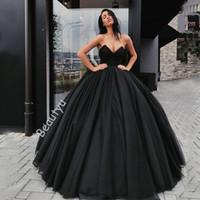 rotes satin korsett kleid großhandel-Schwarz Gothic Ballkleid Brautkleider 2018 Plus Size Prinzessin Schatz Korsett Rücken Puffy Red Arabisch Dubai Brautkleider Vestido De Novia