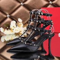 ingrosso scarpe da donna in argento-Punta a punta 2 cinturini con borchie tacchi alti rivetti in pelle verniciata Sandali donna borchiati scarpe con strappy scarpe tacco alto san valentino
