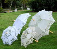 wedding decorations accessories al por mayor-Stock Ivory Lace Nupcial Wedding Parasol White Lace Umbrella Victorian Lady Costume Accesorio Nupcial Decoración Del Partido Sombrillas barato