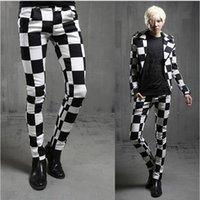 Hommes noir blanc plaid slim fit pantalon discothèque vêtements de scène  pour les chanteurs hommes punk DJ casual pantalon hip hop maigre joggers  costume 60cd0823a4a