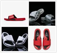 massagem sapatos chinelos venda por atacado-NOVO 2018 Hydro 5 Sandálias Flame Camuflagem Lobo Cinza Massagem Chinelos 5S Vermelho Branco Preto Preto Desliza Sapatos Ao Ar Livre Esportes Casuais Chinelo EUR 40-47