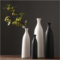 lebende vasen großhandel-Schwarz und weiß keramik vase dekoration Moderne kreative mode blumenschmuck blume tisch esszimmer wohnzimmer decorati