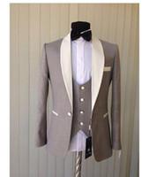 ingrosso il vestito da uomo si occupa di grigio chiaro-2018 New Smoking grigio chiaro dello sposo economici scialli collo a scialle avorio Groomsmen Suit Mens Abiti da sposa Custom Made (Jacket + Pants + Vest + tie)