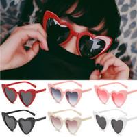 retro style eyeglasses al por mayor-2018 venta caliente nuevas gafas de sol de las señoras del estilo Retro Mujeres Moda Lolita gafas de sol en forma de corazón Shades vidrios de la vendimia