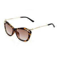 H Marca CRIUS 2018 Nuevo ojo de gato gafas de sol de mujer Vintage gafas de  sol de colores mujeres diseño clásico Arco de metal Anti-UV 400 78f581dd2fc7