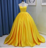 ingrosso abiti da ballo giallo scintillanti-Vestito da Quinceanera lungo giallo dorato con perline di cristallo scintillante Abito da principessa giallo con perline senza schienale Halter dolce 1616