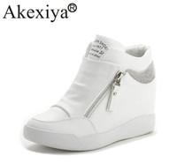 ingrosso scarpe da ascensore donne nere-Akexiya Vendita calda Sneakers con zeppa Scarpe col tacco alte Scarpe da corsa per ascensori donna con cerniera Strass in argento bianco nero