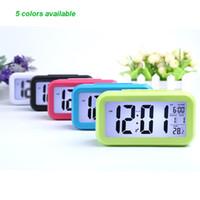 ingrosso allarme-Smart Sensor Nightlight Digital Alarm Clock con calendario termometro temperatura, silenzioso orologio da tavolo da tavolo Comodino sveglia Snooze