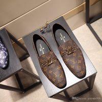 sapatos de escritório preto venda por atacado-Nova Moda italiana de luxo oxfords homens sapatos de escritório de negócios sapatos de couro genuíno marrom preto designer de sapatos masculinos tamanho: 38-44