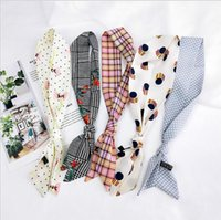 новые красивые шарфы оптовых-2018 New women fashion ribbon silk scarf beautiful mix design girls neckerchief hair band bag handle wraps small neck scarves